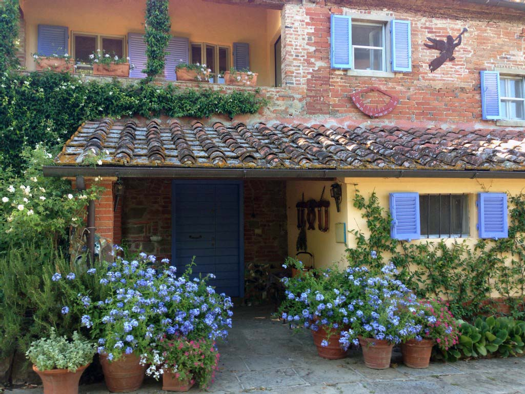 Rumah Bergaya Tuscan (Sumber: www.homeaway.com)